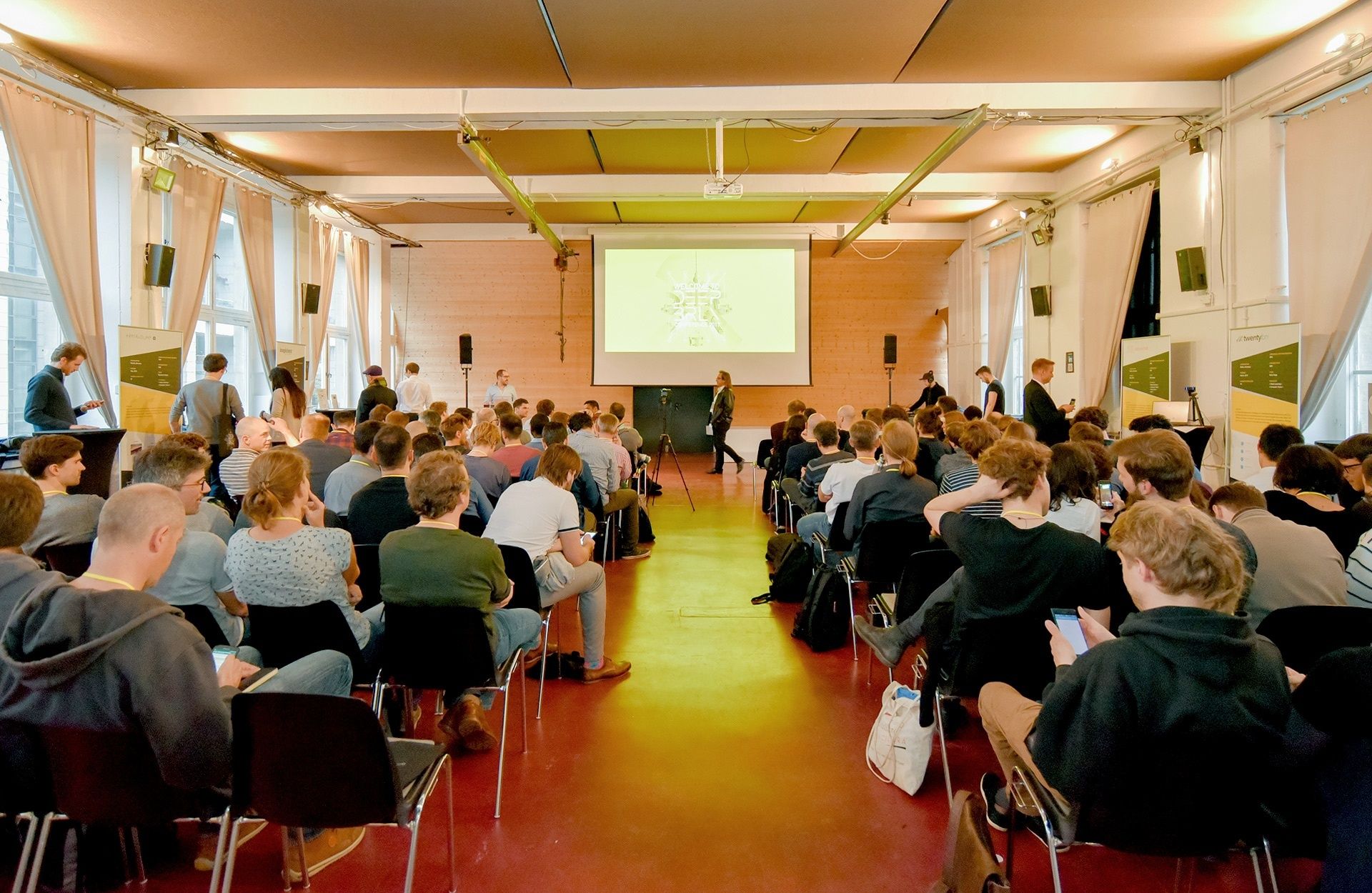 The first Deep Berlin Conference of HELLA Aglaia with expert presentations and project showcases on Artificial Intelligence and Deep Learning.